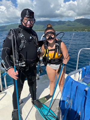 Roger Muller and Taylor Muller diving