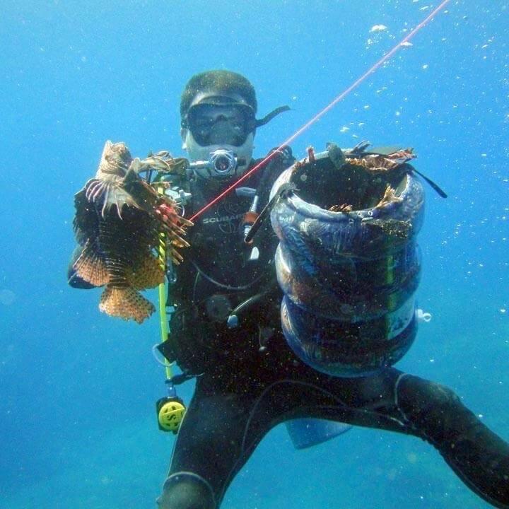 Gabriel Lopez Dupuis lionfish hunting