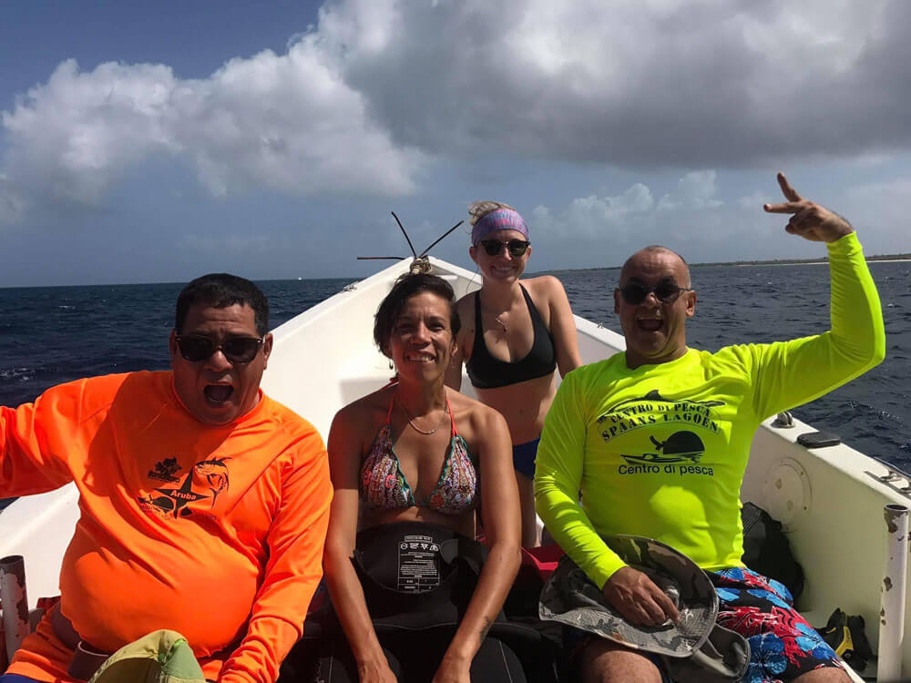 Abigail Vrolijk and other divers