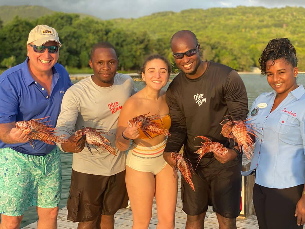 Demane Scarlett & Roger Muller lionfish hunting